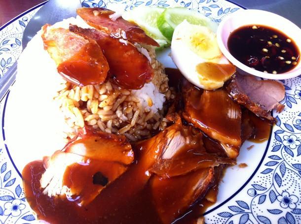 ข้าวหมูแดง ;D~ @ ธนภร บะหมี่เกี๊ยวกุ้ง ลพบุรี
