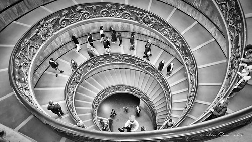 Escalier en double spirale du Vatican | by OlivierDREAN
