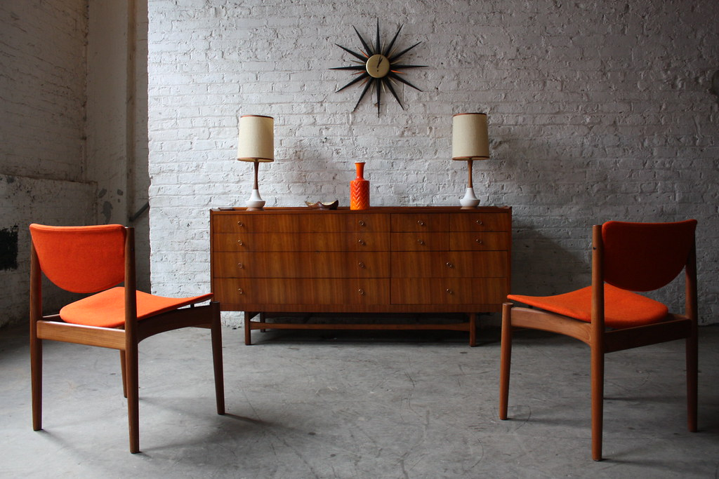 Amazing (and Unreal) Mid Century Modern Drexel King Walnut… | Flickr