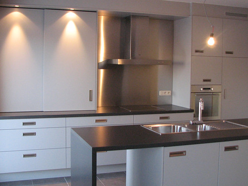 Nieuwe keuken inox spatwand foto van nieuwe keuken waarb flickr - Eilandjes van keuken ...