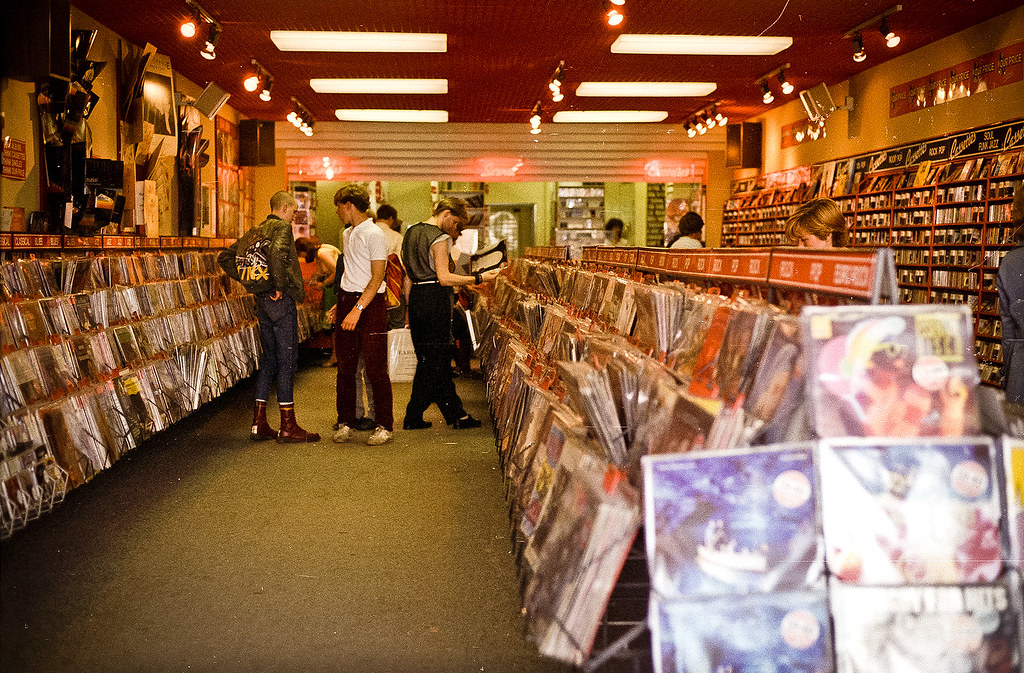 Old record shop p*rn - Page 3 6653932303_929861f385_b
