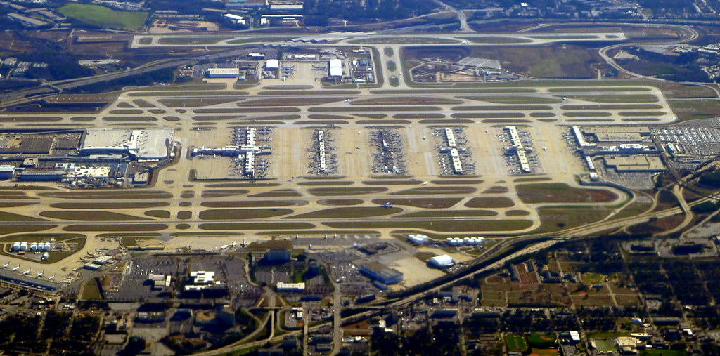 The Busiest Airport In The World HartsfieldJackson Atlant Flickr - Biggest airport in usa