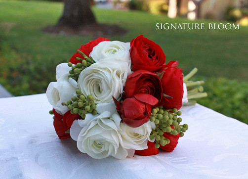 Cupertino ca wedding flowers red white bridal bouquet flickr cupertino ca wedding flowers red white bridal bouquet by signature bloom mightylinksfo
