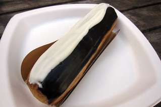 Black & White Eclair | by nycblondieandbrownie