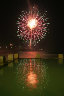 Fireworks 2011 at Coogee No 2 | by Yitchie