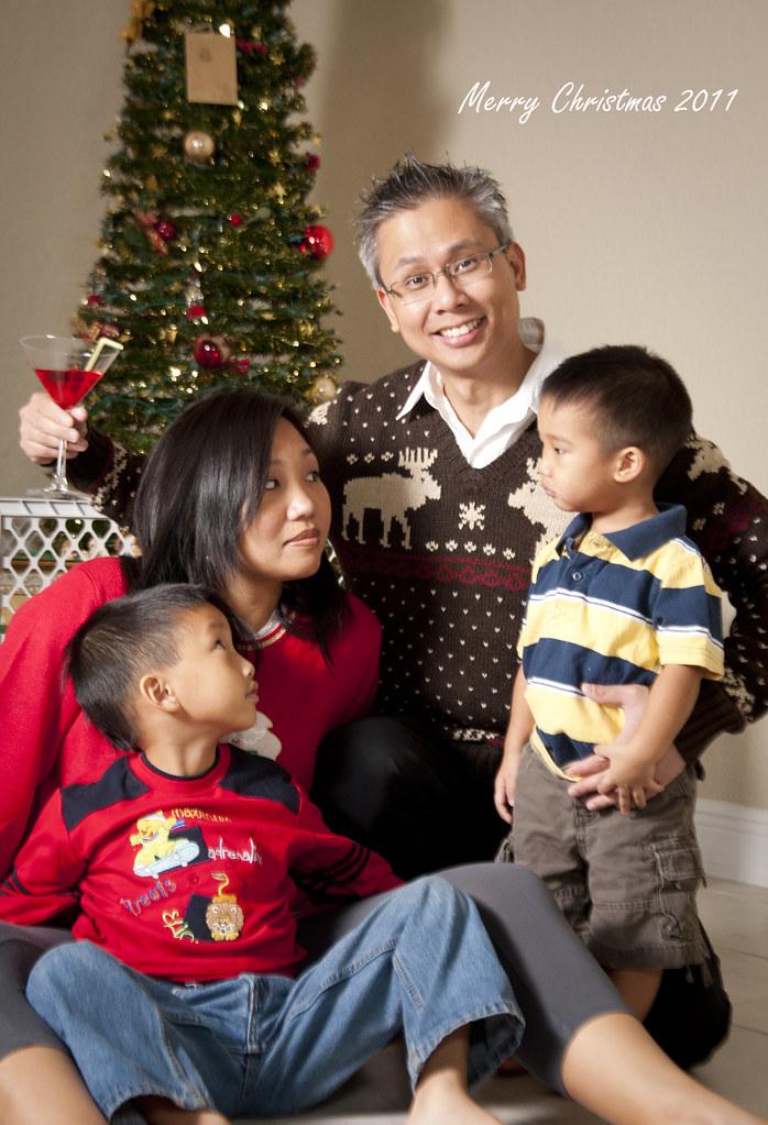 awkward christmas family photo by tone33012 - Awkward Christmas Family Photos