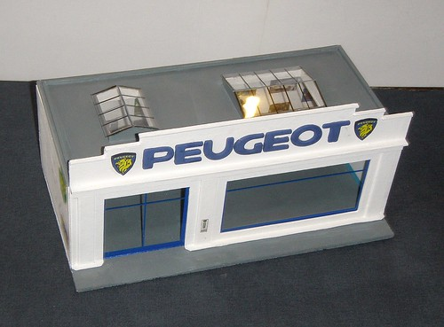 garage peugeot 1 43eme d c2011 petite construction. Black Bedroom Furniture Sets. Home Design Ideas