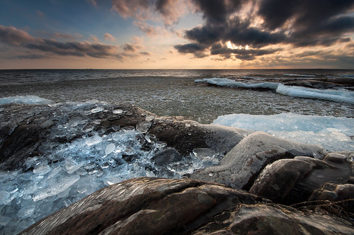 Bits of ice | by - David Olsson -