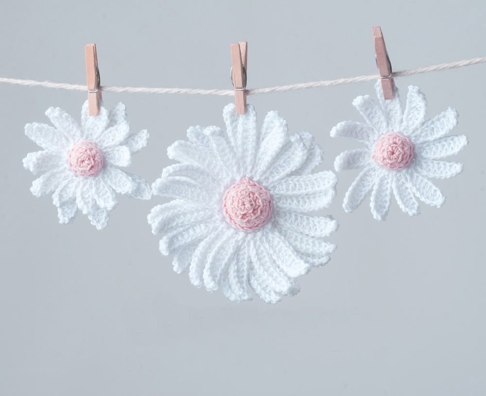 Crochet daisy flower i now have a pattern for these flower flickr crochet daisy flower by crocheterie crochet daisy flower by crocheterie izmirmasajfo