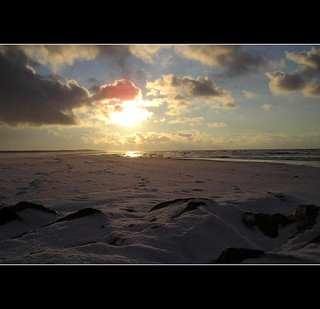 Snowy beach | by André Russcher / russcherfotografie.nl (taking a