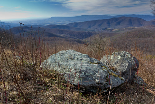 The Point Overlook, Skyline Drive | by Xiphoid8