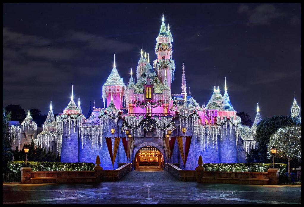 Sleeping Beauty Castle - Disneyland Christmas 2011 | Flickr