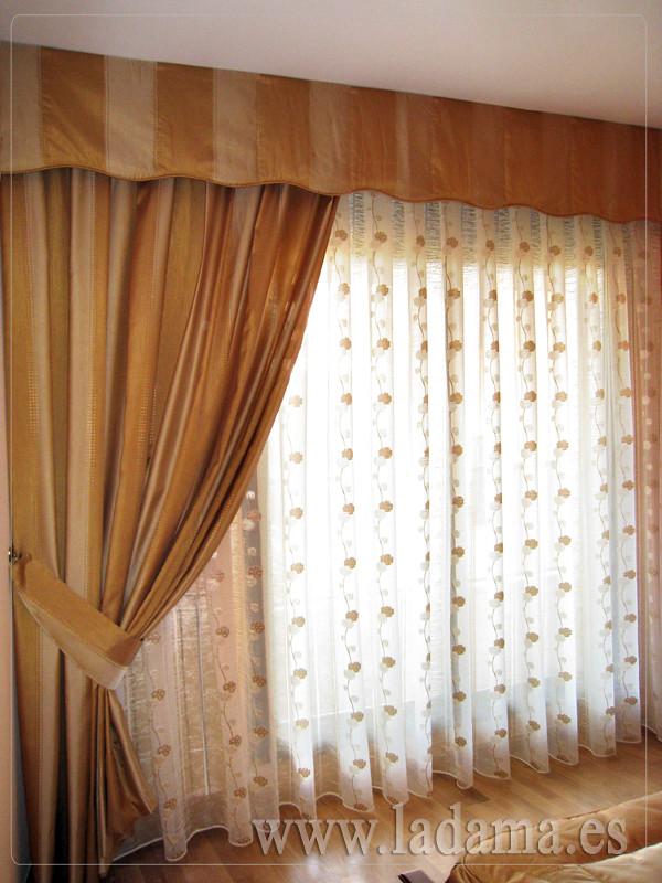Cortinas Clásicas con Bando y caida lateral | Visita nuestra… | Flickr