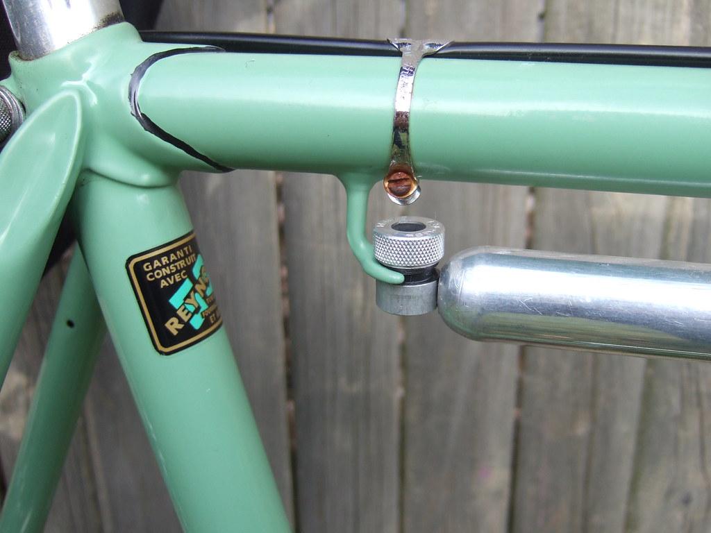 Rare \'bifurcated\' pump peg, made for the Zefal Afa Express… | Flickr