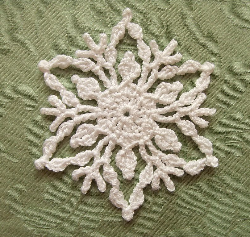 Crochet Snowflake | Pattern: White Christmas in Thread Croch… | Flickr