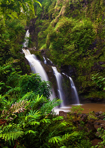"Upper Waikani Falls AKA ""Three Bears Falls"" 