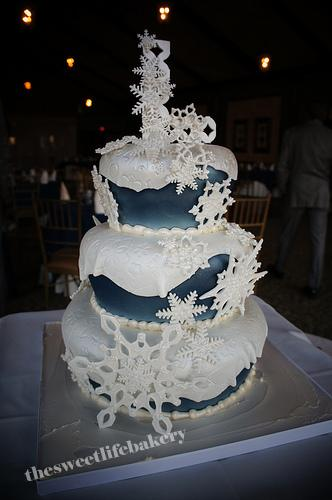 themed wedding cake ideas snowflake winter wedding cake this three tier cake is 20869