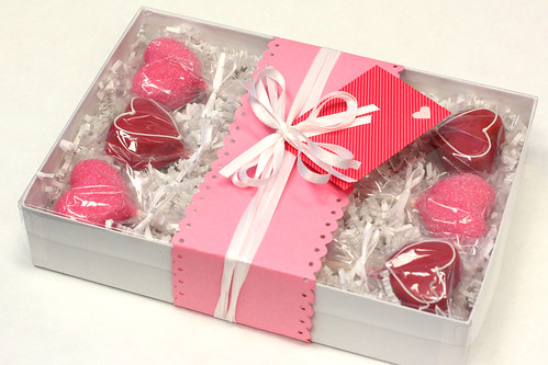 Valentine's gift box - pink and red shaped hearts | by Sweet Lauren Cakes