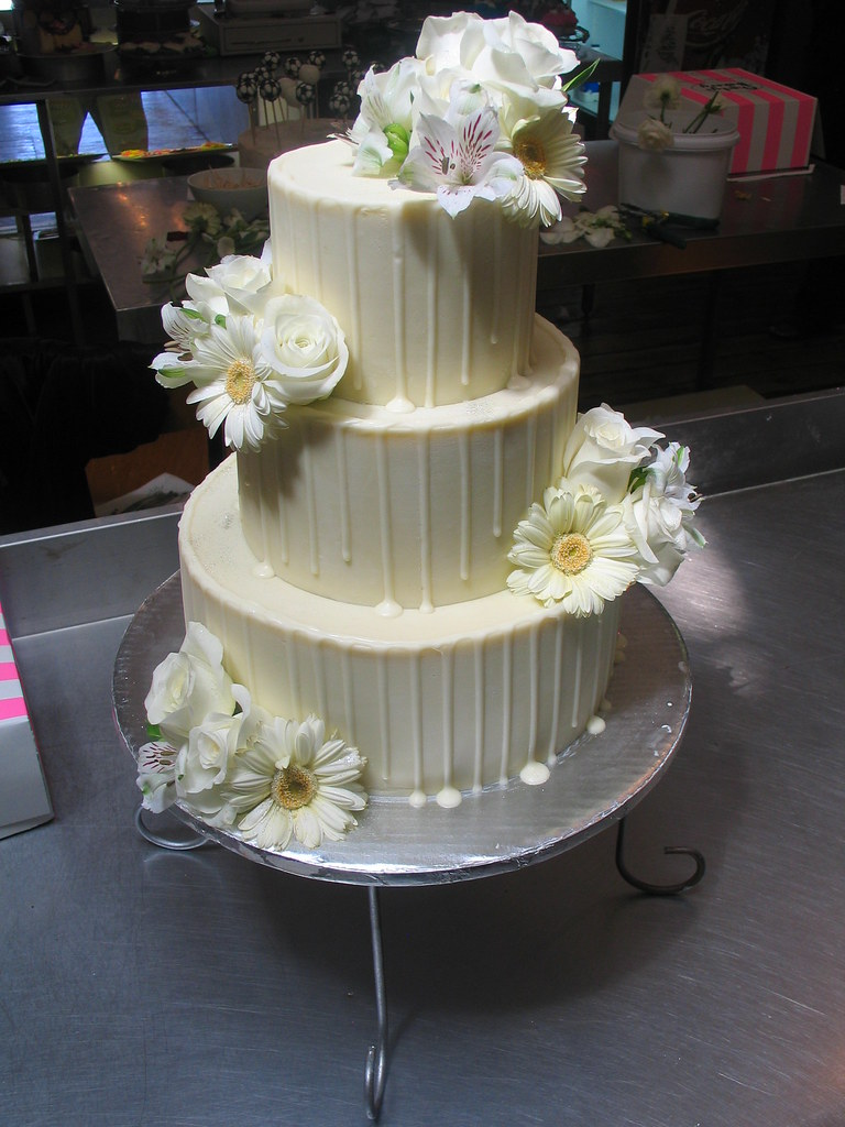 3 Tier Wicked Chocolate Wedding Cake Iced In White Chocola Flickr