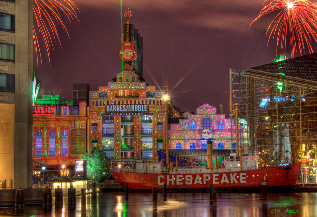 Superb ... Power Plant Holiday Light Show | By Terry Aldhizer