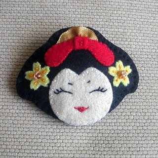 Japanese Geisha Felt Brooch Pin | by kirakirahoshi