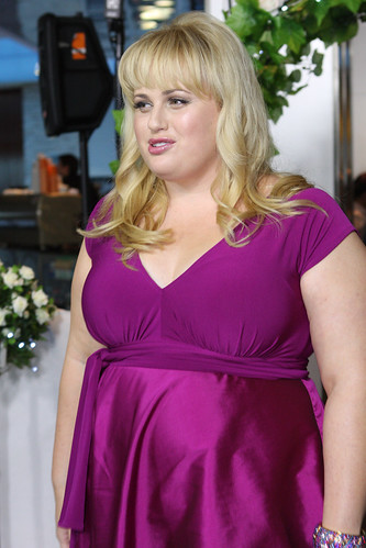 rebel wilson a few best men red carpet movie premiere in