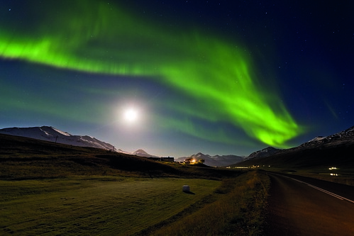 Northern lights in Iceland | by Discover the World