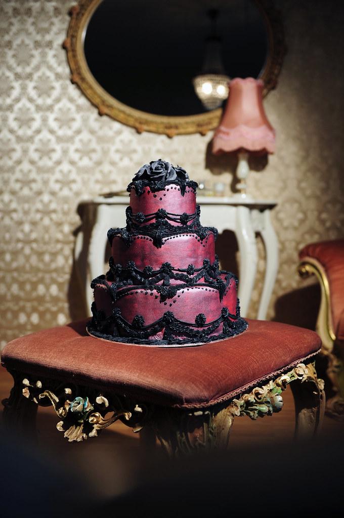 Ausgefallene Hochzeitstorte In Bordeaux Schwarz Ute Kosmell Flickr