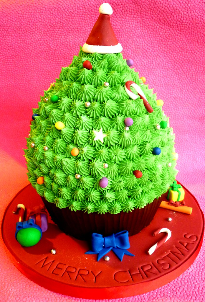 ... Giant cupcake Christmas tree | by Star Bakery (Liana) - Giant Cupcake Christmas Tree This Is A Chocolate Giant Cup… Flickr