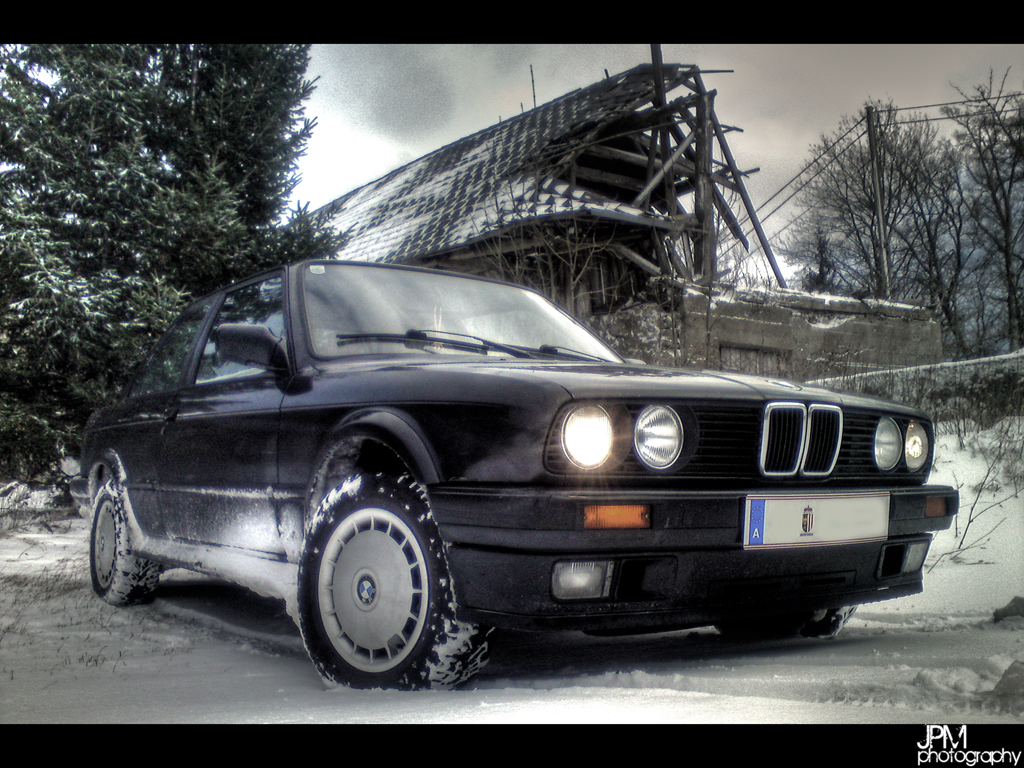 BMW E30 325iX, test in winter on snow with ice - YouTube