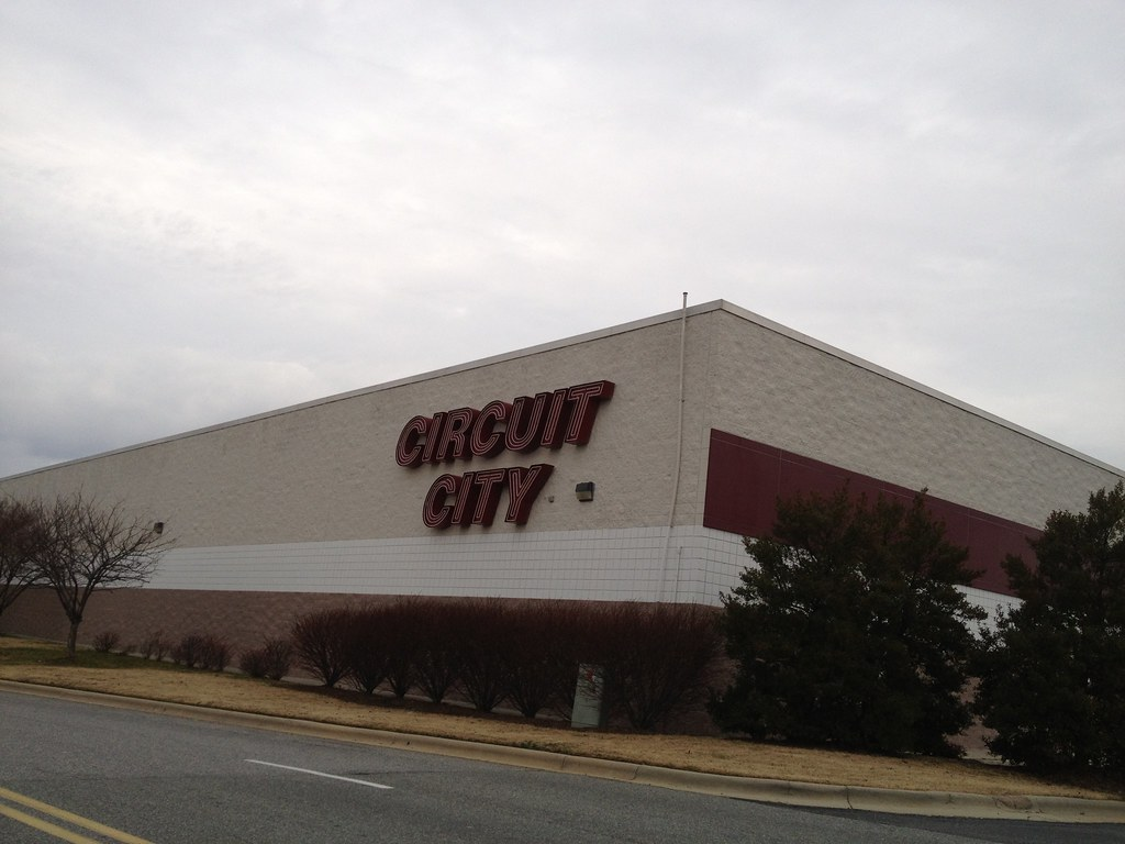 Abandon Circuit City Oak Hollow Mall High Point NC January 2012