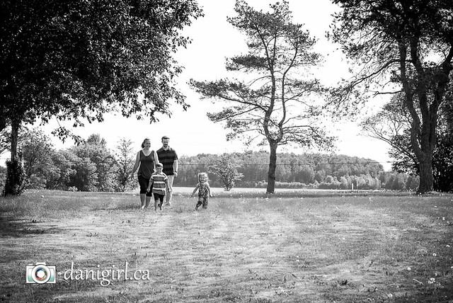 Portraits at the Park by Ottawa family photographer Danielle Donders