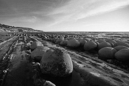 Bowling Ball Beach - Nikon FE - Nikkor-UD 20mm f/3.5 - TMAX 100 | by divewizard