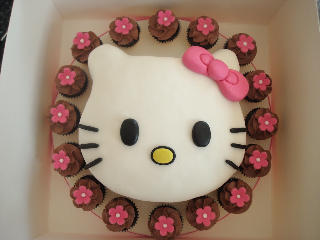 Lilys 1st Birthday Hello Kitty Cake Julie Elliott Flickr