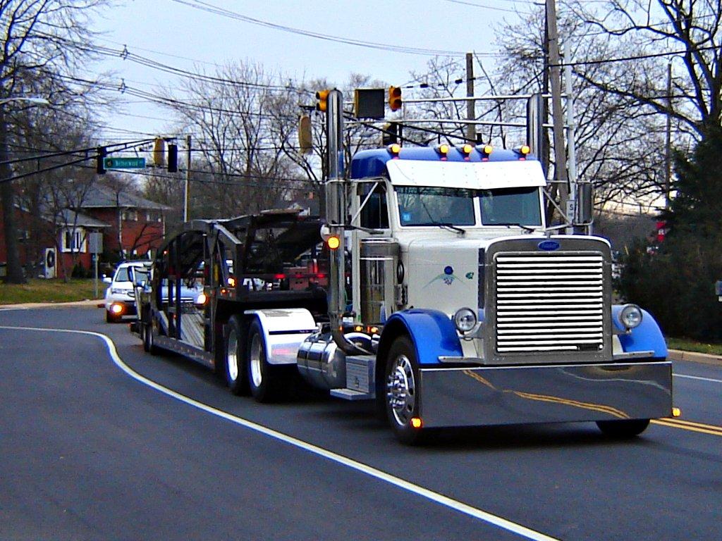 Peterbilt Car Carrier Larwick Towing Out Of Denville Nj Flickr