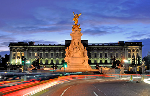 Buckingham Palace at night | by Dick Bulch
