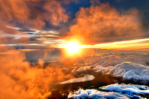 Majestic Sunrise from the Summit of Mount Fuji | by Sprengben