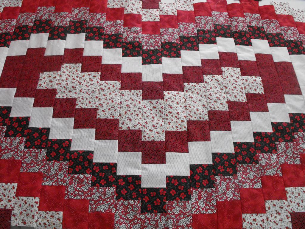 Bargello Heart Quilt | Técnica: Bargello... W.I.P: falta o s… | Flickr : heart bargello quilt pattern - Adamdwight.com