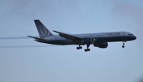 United Airlines Boeing 757 (N521UA) approaching KLAX | by PictureJohn64
