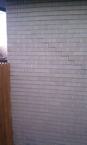Stair Step Cracks In Exterior Brick Wall This Stair Step C Flickr
