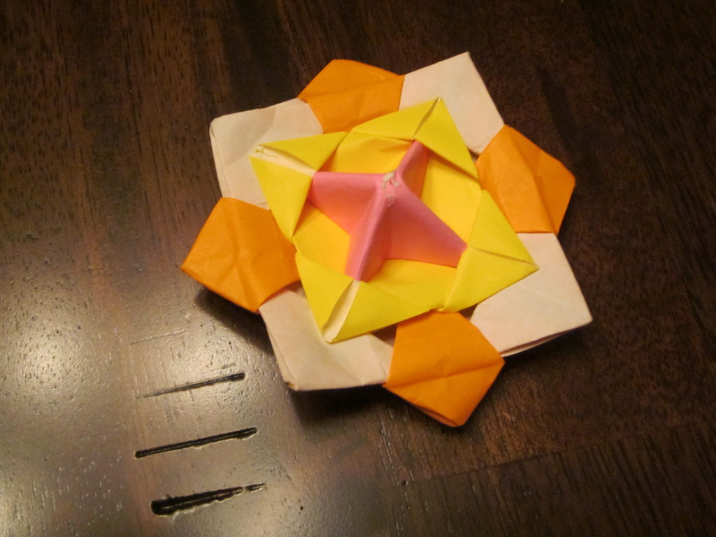 Origami spinning top lewis o8 flickr origami spinning top by lewis o8 jeuxipadfo Images