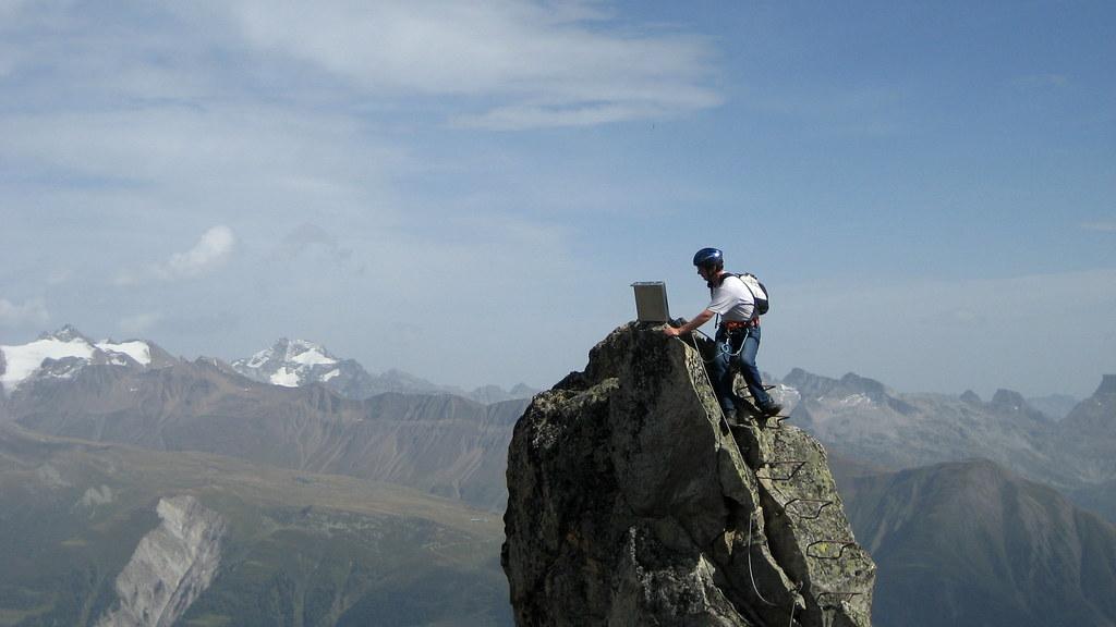 Klettersteig Wallis : Heinz im klettersteig via ferrata am eggishorn berg u2026 flickr