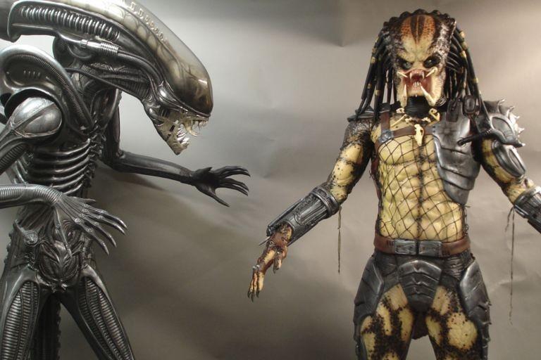 Alien vs Predator Movie Prop AvsP Aliens Giger Film Lifesi…   Flickr