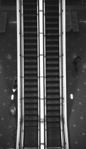 Escalator | by Snap Shooter jp