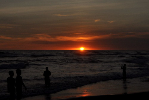 Yogjakarta - Sunset at PARANGTRITIS BEACH - 6 | by Dato' Professor Dr. Jamaludin Mohaiadin