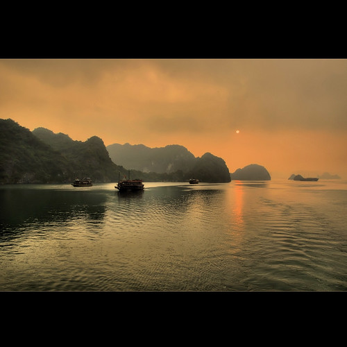 Halong Bay | by rinogas