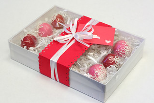 Valentine's gift box - pink and red cakepops with sprinkles | by Sweet Lauren Cakes
