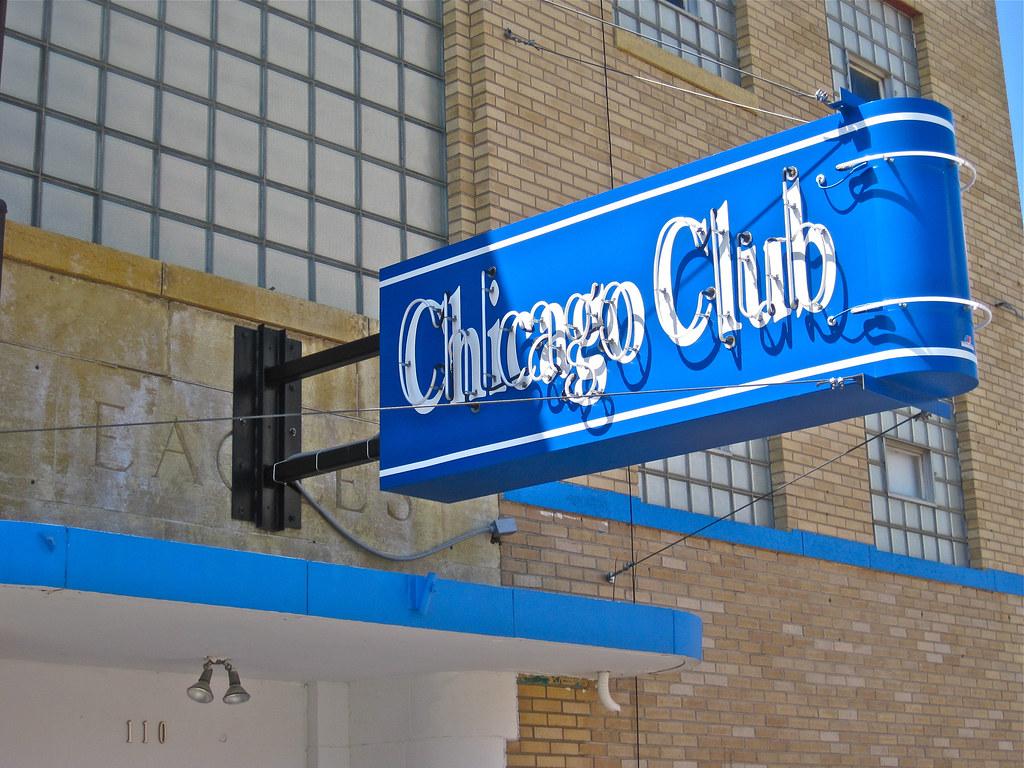 Minot clubs