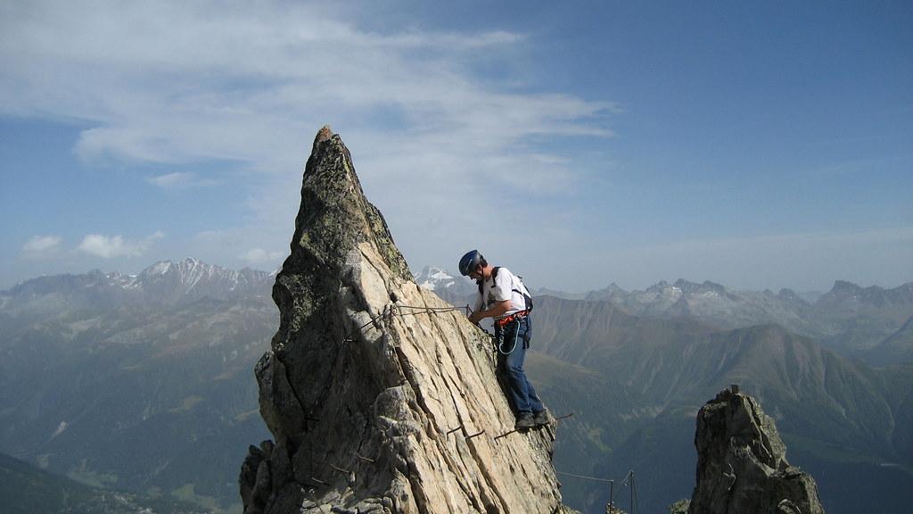Klettersteig Wallis : Heinz im klettersteig via ferrata am eggishorn berg u flickr
