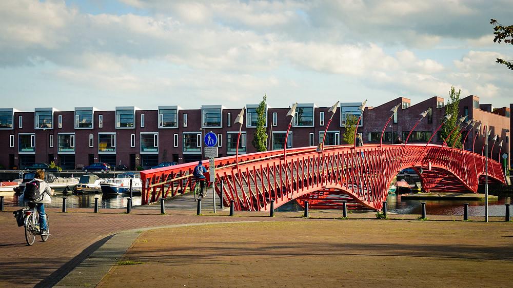 ponte uborneo sporenbrugu amsterdam holanda by pedro kok
